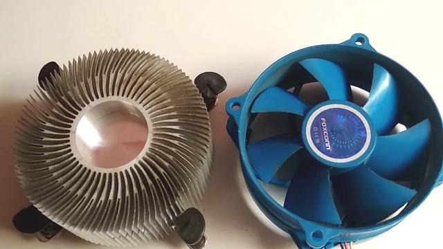 PC-reinicia-constantemente-ventilador-limpio
